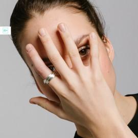 Szelíd vagyok és szomorú, amikor szeretek - gyűrű