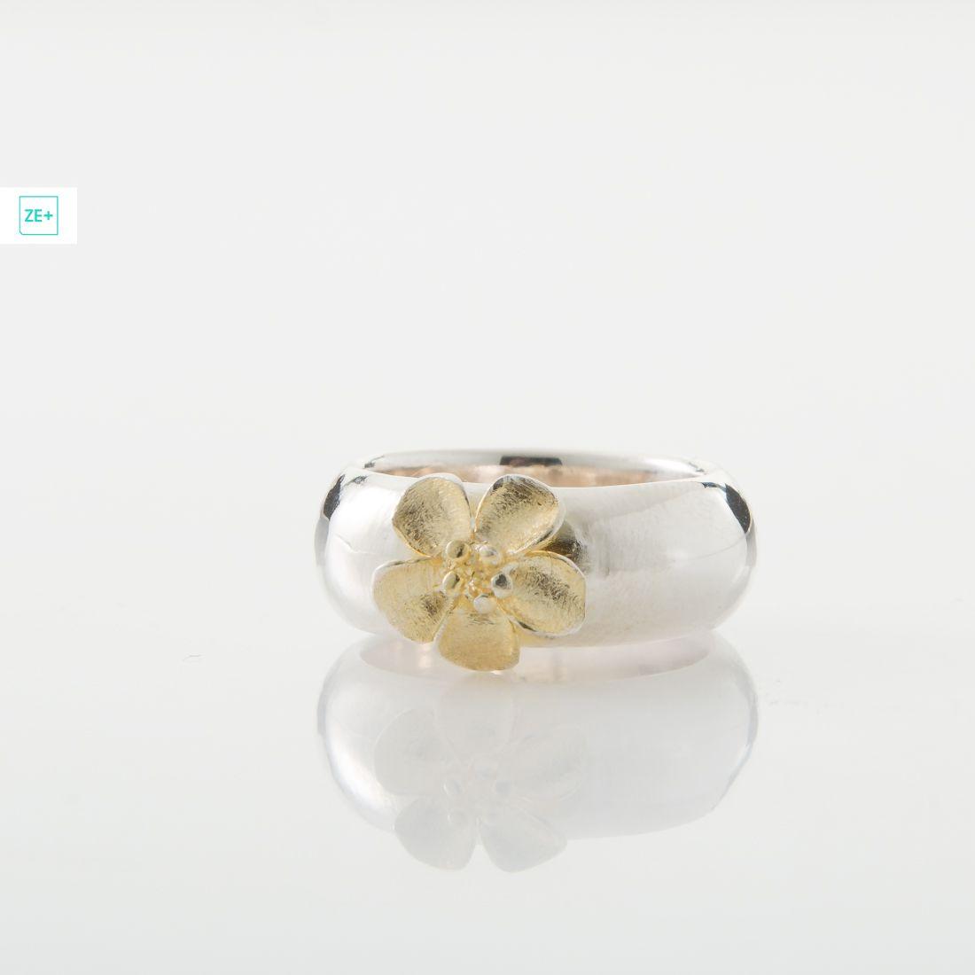 Pilisi len ezüst gyűrű aranyvirággal